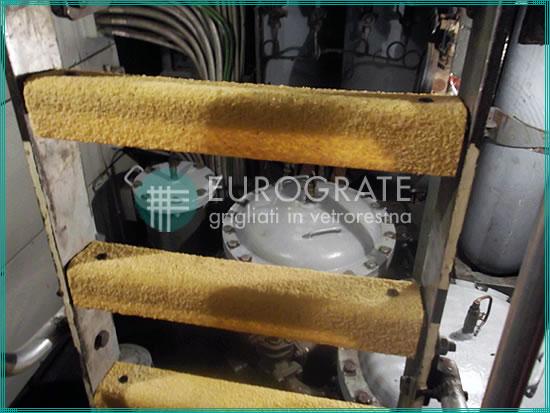 Copri pioli in PRFV in ambito industriale