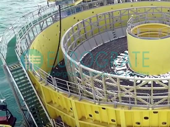 passerelle grigliate e gradini PRFV installati per l'estrazione del petrolio