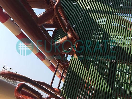 pavimento in grigliato per la realizzazione di una piattaforma petrolifera