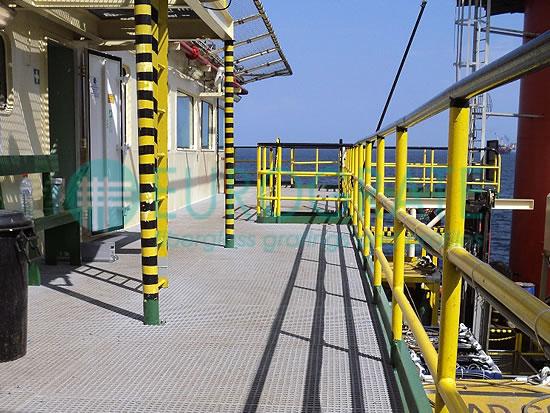 grigliati e parapetti di sicurezza per il settore offshore