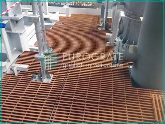 pavimenti grigliati per la sicurezza dei lavoratori negli impianti oil e gas