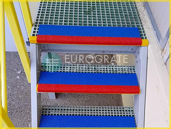 Coprigradini per rendere sicuri i gradini in metallo