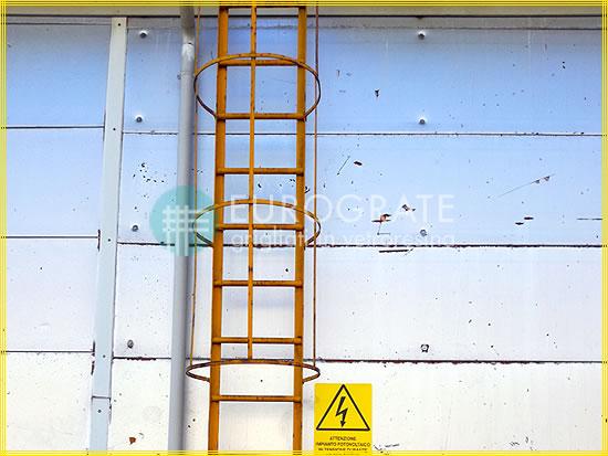 Copri pioli in vetroresina per le scale verticali