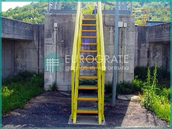 Gradini e parapetti per scale industriali